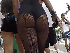 Candid super-hot latina donk in fishnets!!